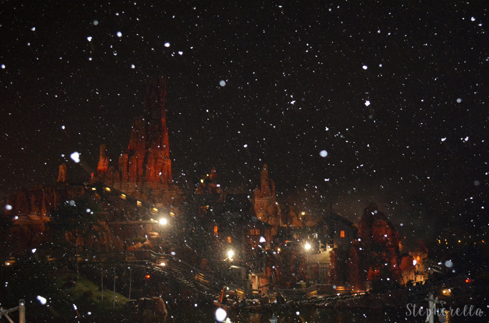 Big Thunder Mountain in the snow - Stepherella