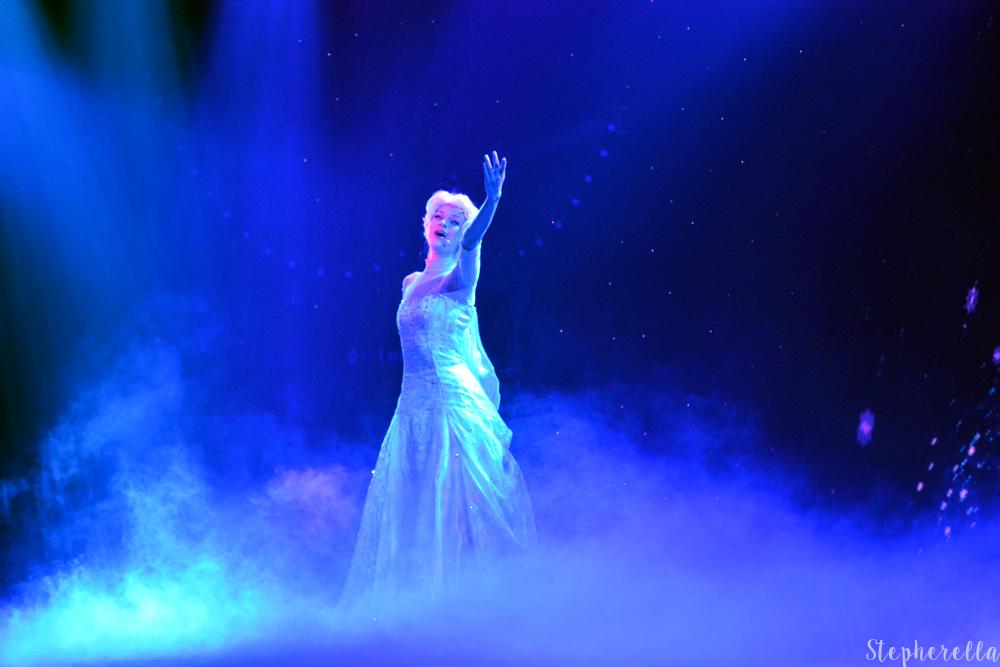 Elsa-Mickey-And-The-Magician-Stepherella