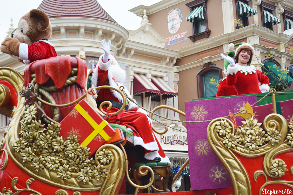 Christmas Is Here – Disneyland Paris Day One