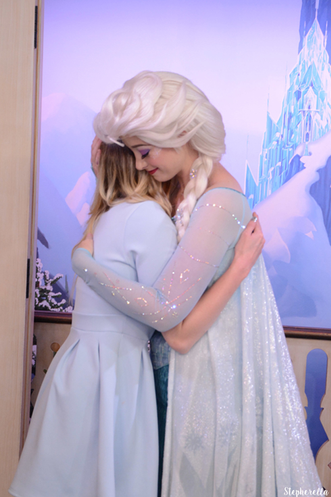 Meet-Elsa-Epcot-Walt-Disney-World