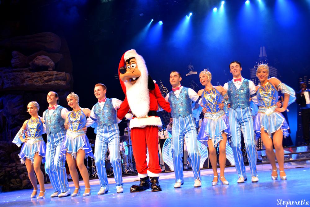 Santa Goofy Mickey's Big Band